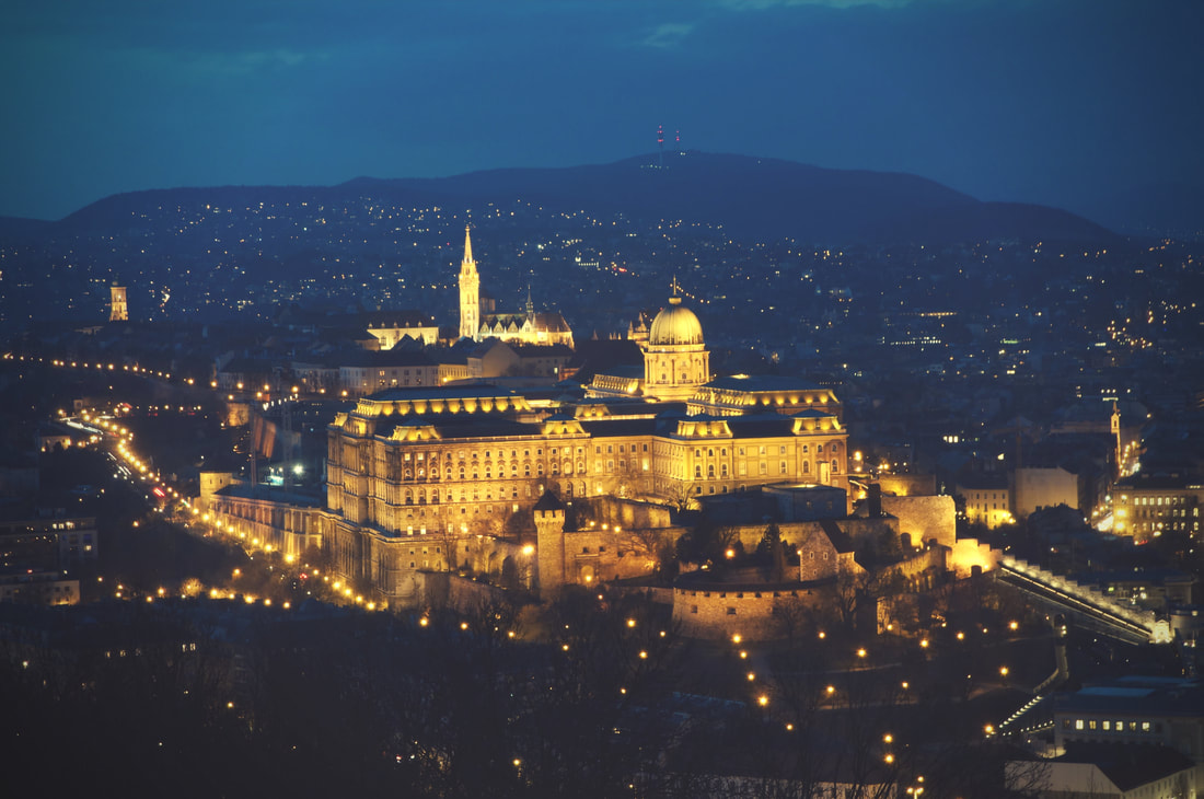 Budapest-Castle-by-night