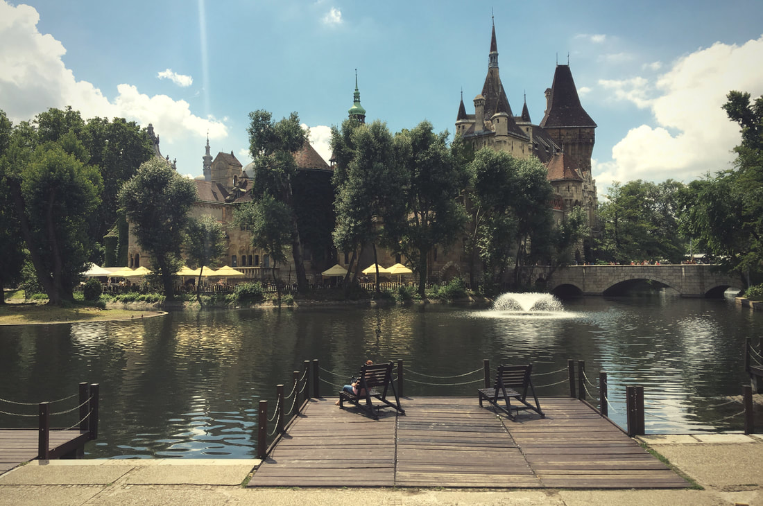 Vajdahunyad castle-budapest-City park-private guided tour